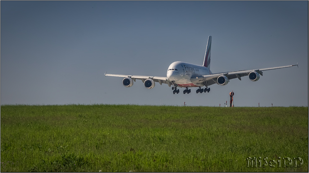 A380 in DRS