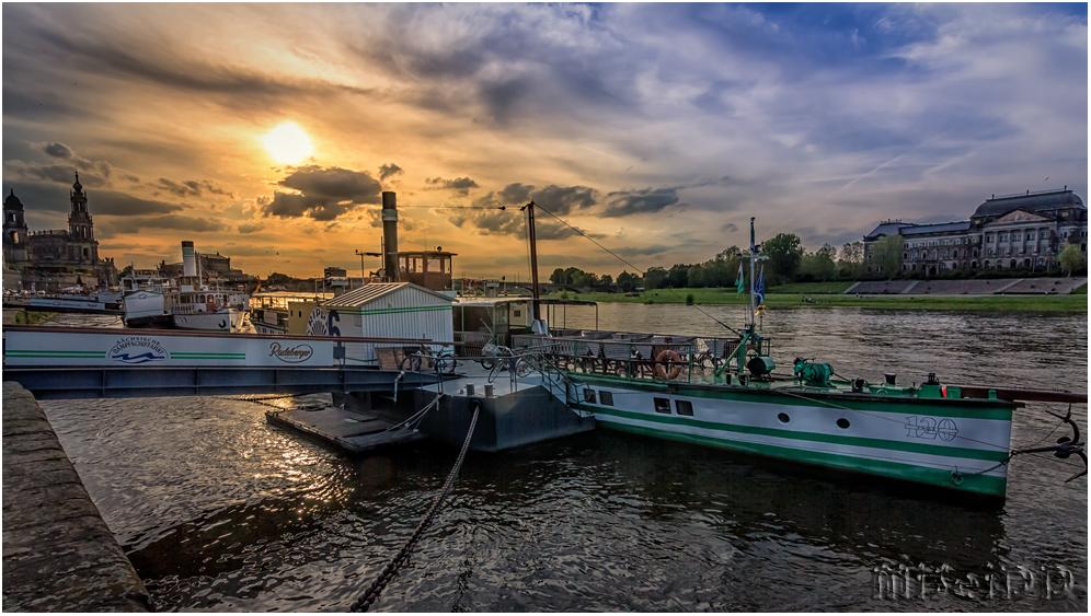 Elbe zum Abend